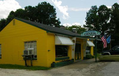 McClellanville Diner II Exterior 19 August 2010