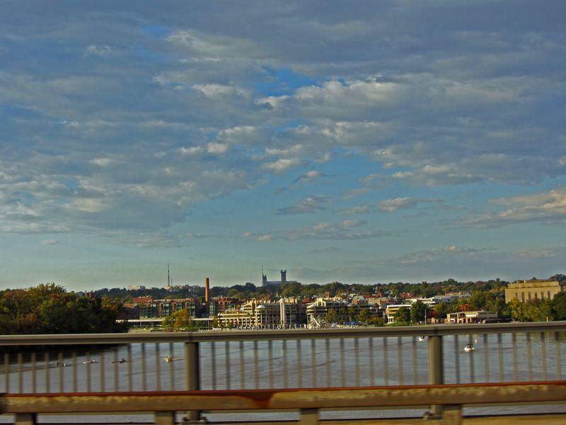 Crossing the Roosevelt Bridge 14 October 2011