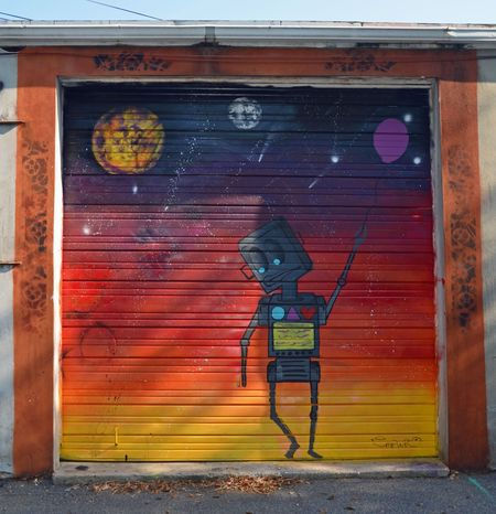 Garage Door Alien 23 September 2012