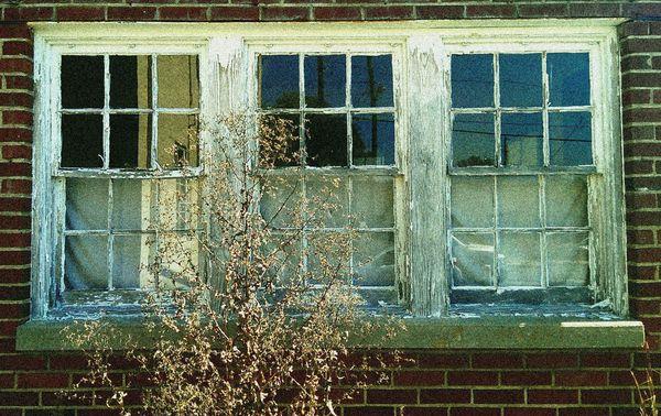 Stanardsville Window Downtown CROPPED 24 September 2013