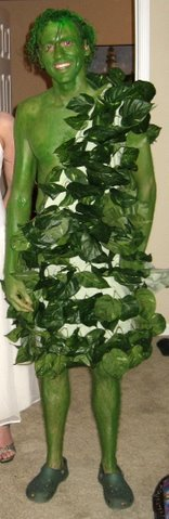 Ben_neely_as_the_jolly_green_gian_2