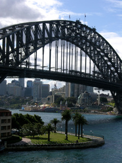 Sydney_harbour_bridge_23_august_200