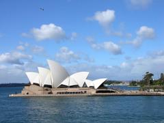 Sydney_opera_house_iii_23_august_20