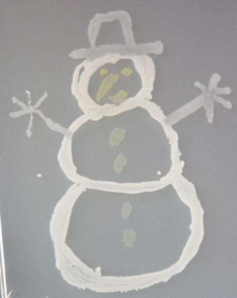 Microbial_snowman_21_december_2006_1
